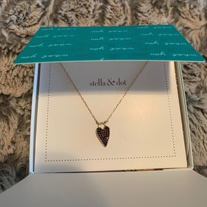 New in box-Stella & Dot delicate heart necklace❤️